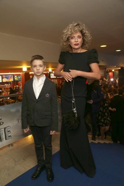 Сыну Певцова и Дроздовой 12 лет, и он уже проявляет интерес к актерской профессии