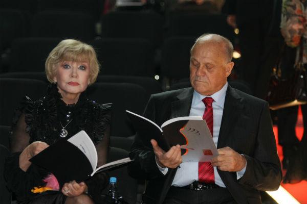 Супруги на вручении премии «Золотой Орел» в 2009 году