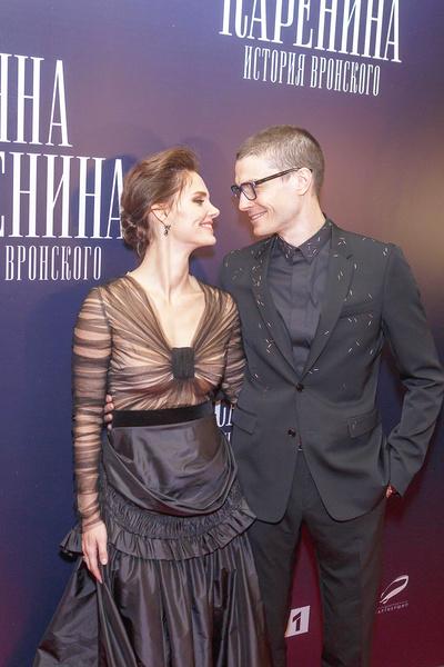 Ушел из театра ради кино, развелся с Яной Сексте и женился на Боярской. Триггеры Максима Матвеева