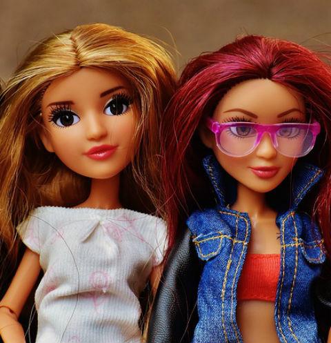 Девушки Новосибирска ищут счастье в детском саду для взрослых