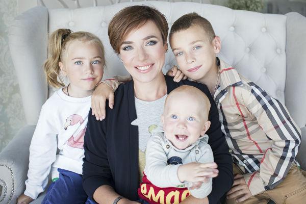 Тутта Ларсен старается воспитать детей полноценными личностями