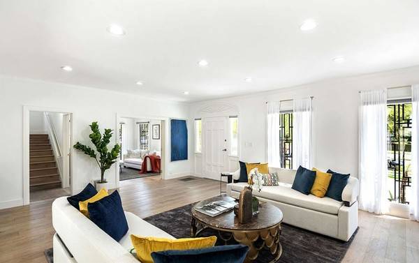 Дом продается вместе с мебелью
