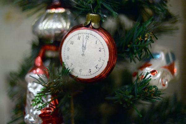 Стиль: Готовимся к Новому году: как менялась традиция украшения новогодней елки – фото №5