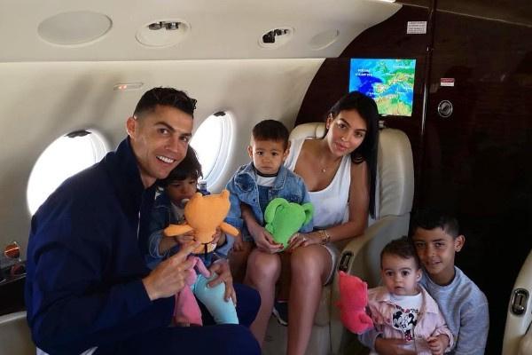 Криштиану Роналду отправился отдыхать с семьей