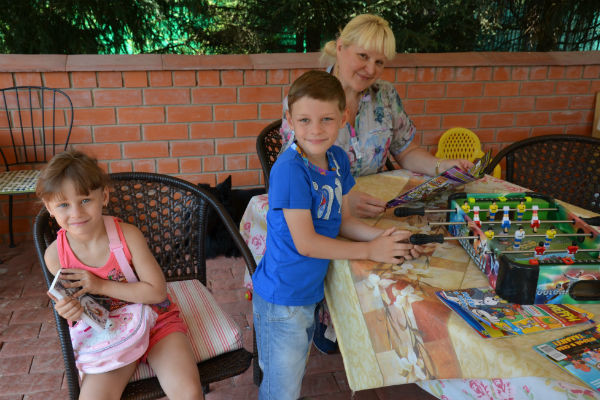 В следующем году  Маргарита отдаст в  школу и дочку Леру. На  фото – с ней и сыном  Сережей