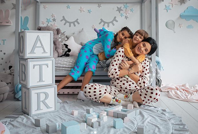 Сегодня Настя уже мама двоих детей — и ее не волнуют комплексы