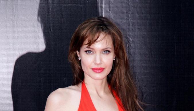 Стремление к саморазрушению. Как Анджелина Джоли погубила здоровье и брак
