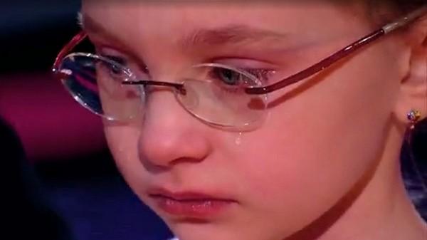 Маленькая Виктория Старикова распереживалась после своего номера