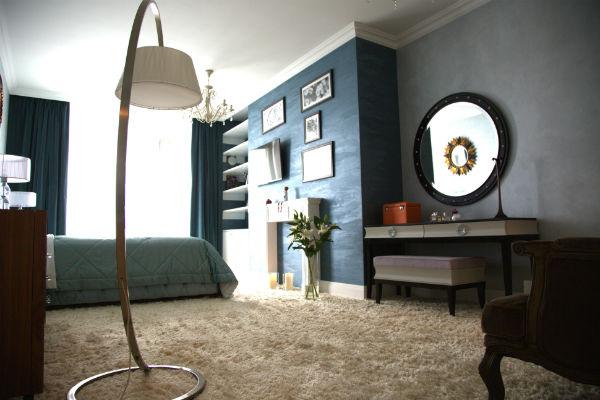 Дизайн квартиры-студии выполнен в морском стиле