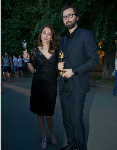 Эрдем Тепегез и Жале Арикан получили награды за работу над проектом «Частицы»