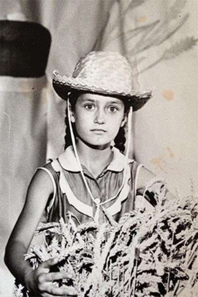 Детство будущей актрисы прошло в Дагестане