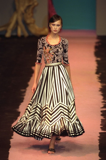 Наталья стала лицом легендарного парфюма «Opium» от Yves Saint Laurent