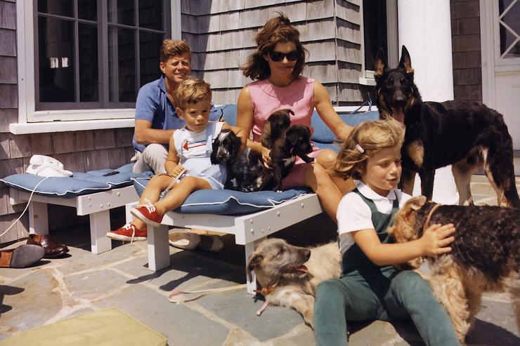 Жаклин подарила Кеннеди дочь и сына