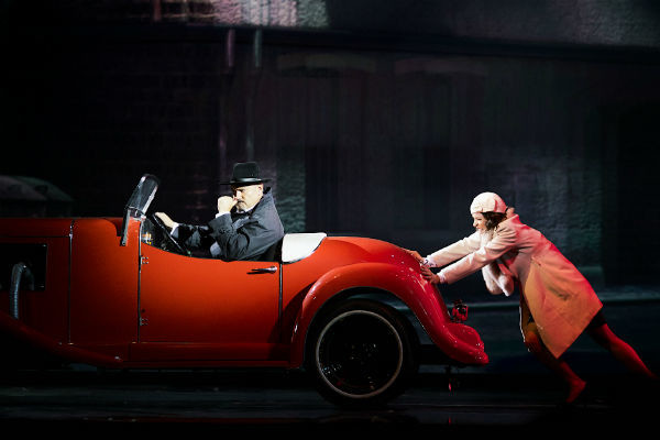 В самое ближайшее время поклонники увидят Максима Леонидова в ярком мюзикле Pola Negri