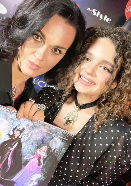 Певица с дочерью Александрой Морозовой