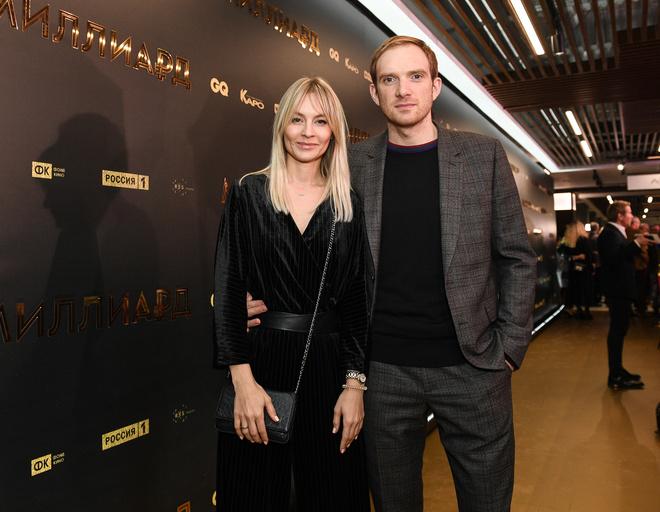 Андрей Бурковский с женой