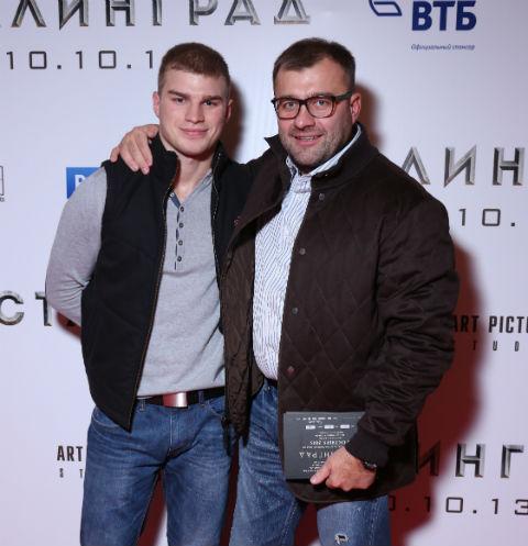 Владимиру было 19, когда он впервые встретился со звездным папой