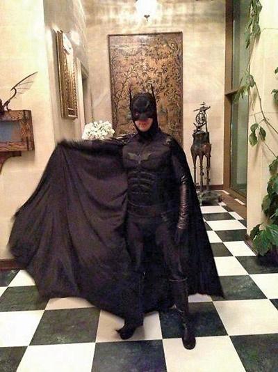 Карнавальная ночь-2014:  Максим Галкин в костюме  Бэтмена