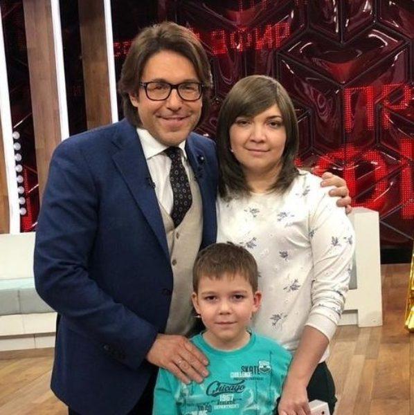 Айгуль Фазыйлова с сыном на программе «Андрей Малахов. Прямой эфир»