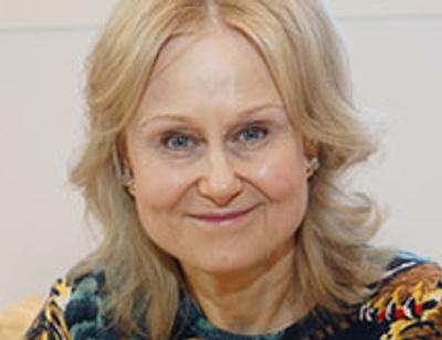 Муж Дарьи Донцовой ездит отдыхать с ее подругой