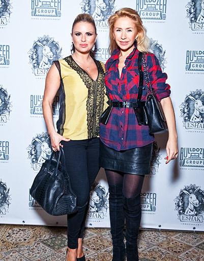 Анна Семенович и Анастасия Гребенкина