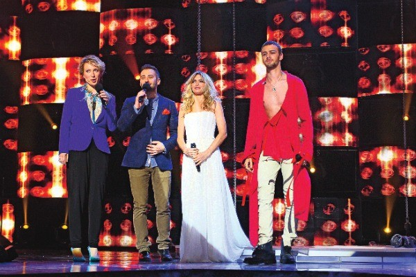 В 2012 году Макс принял участие в проекте «Фабрика. Украина – Россия. Возвращение», где спел с Верой Брежневой дуэтом