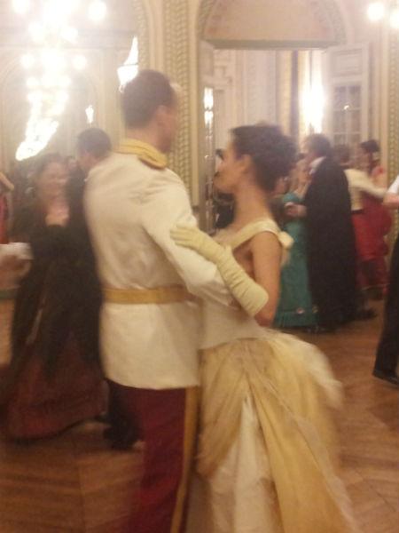 Катя выучила несколько танцев, чтобы не ударить в грязь лицом