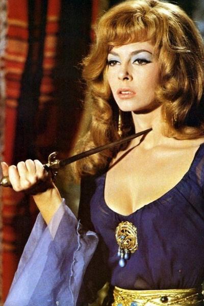 Актриса играла Анжелику в пяти фильмах