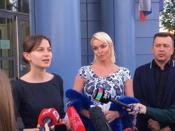 «Мои ноги — это ноги всей России»: что говорила на суде Анастасия Волочкова
