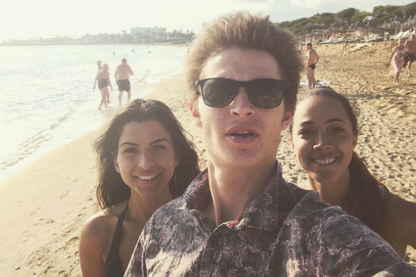 Катрин с друзьями отдохнула на Кипре за чужой счет