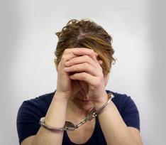 Пьяная мать из Сестрорецка забила ребенка до смерти