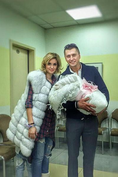 Недавно у пары родился второй ребенок
