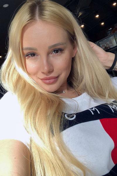 Татьяна Охулкова так и не подтвердила роман с хоккеистом