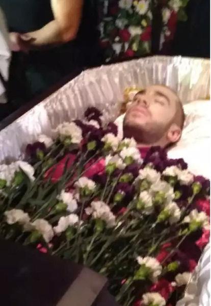 Хаски организовал собственные похороны