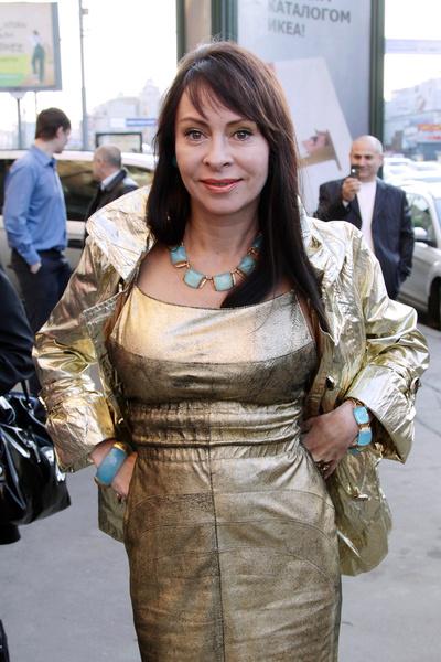 Шура много лет общался с Мариной Хлебниковой и сейчас готов помочь ей в борьбе с зависимостью