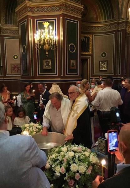 Жерар Депардье крестился