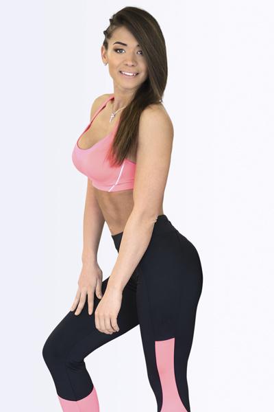 «Общий вес моих девочек составляет 265 кг, – делится Арина. – Ох, погоняю вас в спортзале как следует»