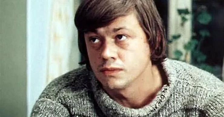 Инна Чурикова о причине возникновения рака у Караченцова: «Коля был страшным курякой»
