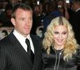 Мадонна поборется за сына с экс-супругом