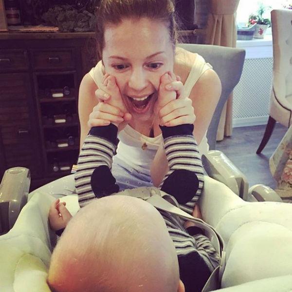 Наталья считает, что работа только усиливает любовь к сыну