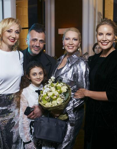Кристина Обрбакайте, Александр Сирадекиан с дочерью Эмануэль, Екатерина Одинцова и Лена Летучая