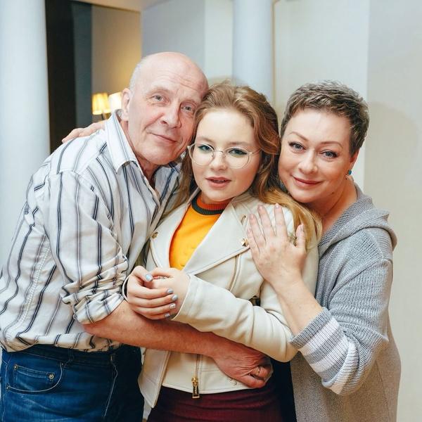 Мария и Евгений с дочерью Серафимой