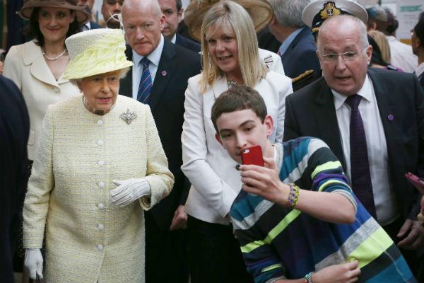 Королева считается одной из самых популярных персон в стране