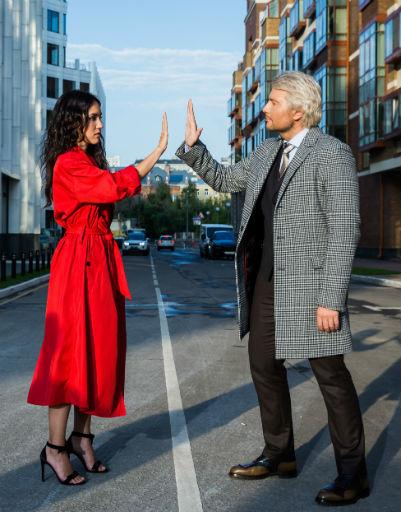 Несмотря на то, что по сюжету герои находятся в Лондоне, съемки проходили в Москве