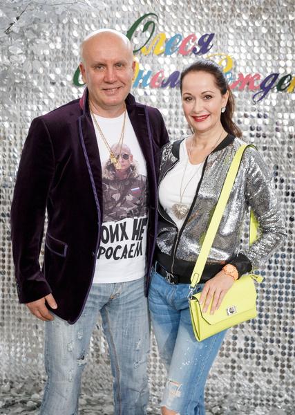 Николай Разгуляев сделал актрисе предложение через несколько месяцев после знакомства