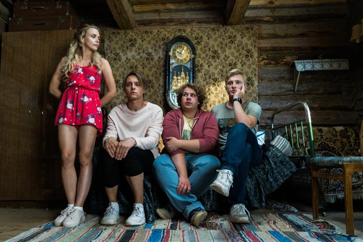 Анастасия и ее коллеги по сериалу «Жуки»