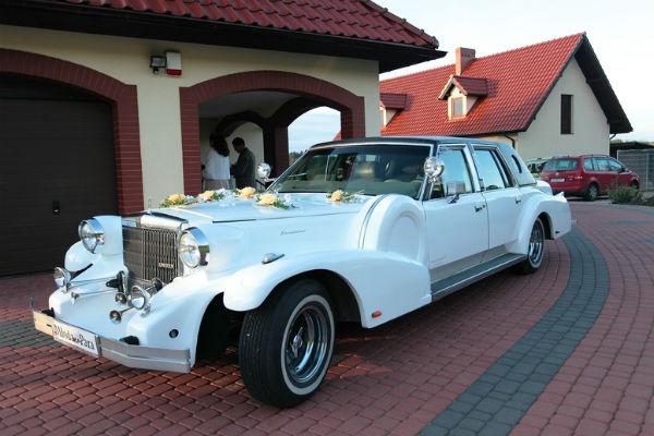 Лимузин для венчания заказывали в Литве