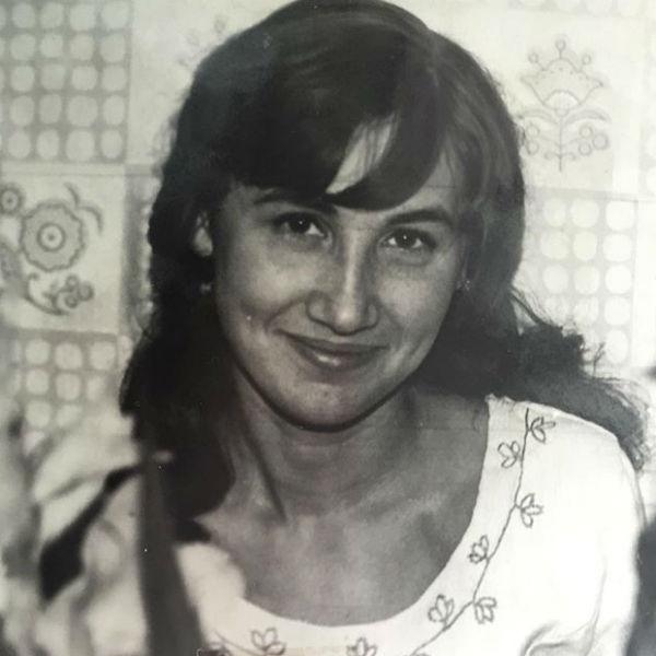 Годы неподвластны обаятельной улыбке Ларисы