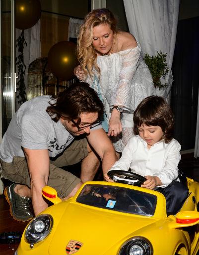 Андрей Малахов и Наталья Шкулева преподнесли Мартину автомобиль