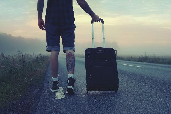 Стиль: Все свое ношу с собой: как правильно упаковать чемодан для путешествий – фото №2